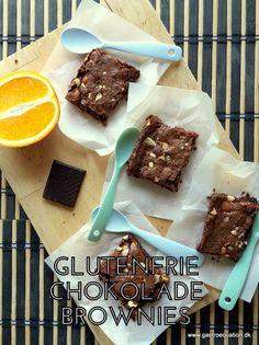Lækre brownies som er sprøde udenpå og bløde og chokoladecremede indeni. Perfekt til fredagskage eller til en klat vaniljeis. Low fodmap venlig og glutenfri