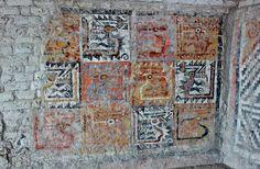 """Mural in the """"mausoleo de la señora"""" in the Huaca Cao Viejo pyramid (part of the Complejo Arqueológico El Brujo), Moche culture, Peru, bulit between CE 1 and 500; excavations began in 1990. Photo: zug55"""