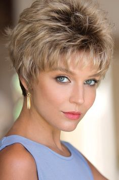 Most Cool Short Hairstyles For Women In 2019 09 Short Brown Hair, Short Hair With Layers, Short Blonde, Short Hair Cuts For Women, Dark Blonde, Thick Hair, Straight Hair, Cool Short Hairstyles, Pretty Hairstyles