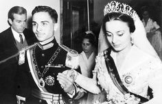 King Hussein and Princess Dina The Bride: Princess Dina, daughter of Prince Abdel-Hamid Aoun of Hijaz. The Groom: King Hussein of Jordan. When: April 22, 1955. He would marry three more times, but Dina was his first wife. Where: Amman, Jordan.