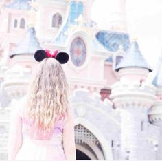 Cutie castle and Minnie ears. All Disney Parks, Walt Disney World, Disney Ears, Cute Disney, Disney And Dreamworks, Disney Pixar, Disney Fanatic, Disney Aesthetic, Face Characters