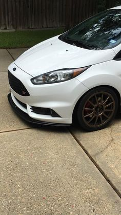 Mountune Splitter and Team Dynamics wheels Ford Focus Hatchback, Ford Fiesta St, Ford News, Mustangs, Muscle, Motorcycle, Fun, Car Stuff, Cars