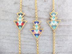 Le produit Bracelet double flèche massaï tissé en perle Miuki est vendu par My-French-Touch dans notre boutique Tictail.  Tictail vous permet de créer gratuitement en ligne un shop de toute beauté sur tictail.com