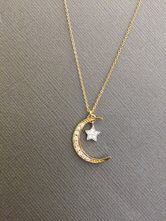 Dainty Moon and star Necklace Star Necklace Delicate Moon image 7 Bff Gifts, Girl Gifts, Gifts For Her, Trendy Jewelry, Cute Jewelry, Jewelry Accessories, Fashion Jewelry, Star Necklace, Diy Necklace