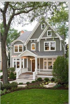 Mi casa: Me gusta esta casa gris.