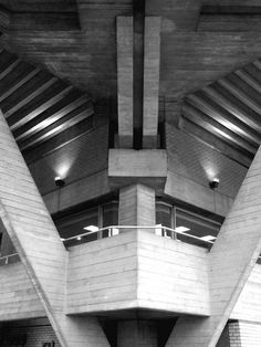 Royal National Theatre, London, Denys Lasdun, 1967-76