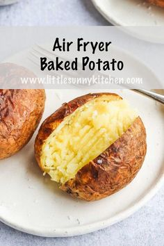 These air fryer baked potatoes are so perfect as theyre fluffy and buttery from Cheap Air Fryer Recipes Air Fryer Recipes Wings, Air Fryer Recipes Appetizers, Air Fryer Recipes Vegetables, Air Fryer Recipes Snacks, Air Fryer Recipes Low Carb, Air Frier Recipes, Air Fryer Recipes Breakfast, Air Fryer Dinner Recipes, Veggies