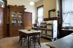 Traditional Kitchen by Margot Hartford Photography Haas house,1886, San Francisco, wonderful tour!