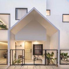 Minimal House Design, Modern Minimalist House, Modern Tiny House, Small House Design, Small Japanese House, Modern House Facades, Dream House Exterior, Architect House, Facade House