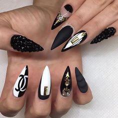 Black & white love @nailsbymztina @nailsbymztina @nailsbymztina  #nailsbymztina #brian_champagne #livingwithgratitude