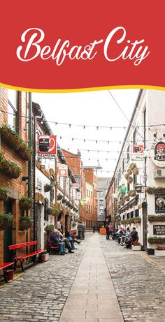 How much does this image make you want to roam the streets of Belfast city? Visit the famous murals, see the site where Titanic was born, feast on artisanal food in St George's Market: it's all just a few steps away!