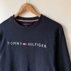 Vintage Tommy Hilfiger navy embroidered sweatshirt Feel free to write me 🙂 *Size men's L true to size *Condition in very good used condition without. Tommy Hilfiger Outfit, Tommy Hilfiger Brand, Tommy Hilfiger Sweatshirt, Tommy Hilfiger Vintage, Tommy Hilfiger Jackets, Adidas Retro, Vintage Adidas, Vintage Jeans, Vintage Outfits
