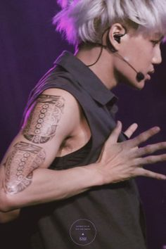 140523 Kai - EXO from Exoplanet #1 - The Lost Planet Concert (cr: knk)