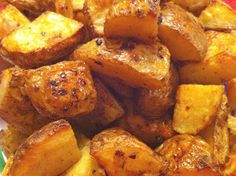 I was looking for an alternative to my Italian Roasted Potatoes. We love eating them, but I thought it would be nice to kick up the recipe for the impending summer. BBQ Ranch Roasted Potatoes are just as simple to make as the Italian Roasted Potatoes, but they offer a spicy kick and a surprisingly …