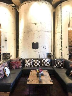 The Hotel Emma Where Industrial Meets Luxury New York Architecture, Historical Architecture, Hotel Emma, Masculine Interior, Hospitality Design, White Tiles, Travel And Leisure, Best Hotels, Restaurant Bar