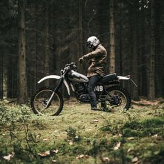 dropmoto: 1980 Yamaha XT250 from Germany-based @hookieco....  dropmoto:  1980 Yamaha XT250 from Germany-based @hookieco. Excited to see whats in the works from this talented group.