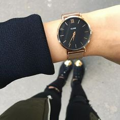✖️Passion Rose Gold.  The prettiest ! 😍💯  #Zoom #Montre #Cluse @clusewatches #Minuit #Mesh #RoseGold #Black #Love #Watch #CluseWatches #Me #Wizzilc #Ootd #Kaki #Bomber #Black #Destroyed #Jean #Slim #Puma #Creepers #Gold #InstaTime #Picotheday #InstaMoment #PlanetIg11 #Street #Paris