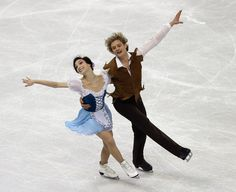 Meryl Davis and Charlie White compete in the Short Dance Program during the 2013 Prudential U.S. Figure Skating Championships at CenturyLink Center on January 25, 2013 in Omaha, Nebraska.