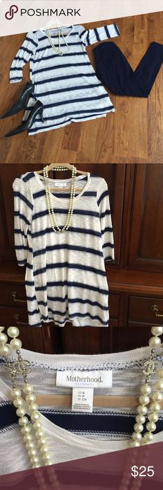 Maternity Navy and White Tunic Motherhood Maternity Navy and White Stripe Tunic. Size Small. Excellent Condition. No rips tears or stains. Smoke free home. Navy Leggings for sale in another listing. Super cute and comfortable outfit. Motherhood Maternity Tops Tunics