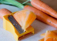 Cortar, descascar e picar frutas e legumes faz parte da rotina de quem gosta de cozinhar. Veja aqui cortadores que você precisa ter! - Veja mais em: http://www.vilamulher.com.br/receitas/nova-cozinha/cortadores-praticos-para-sua-cozinha-m0315-699891.html?pinterest-destaque