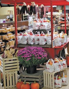 Ashery Country Store has bulk foods in Ohio's Amish Country. Berlin Ohio, Amish Country Ohio, Discount Grocery, Amish Culture, Holmes County, Amish Community, Family Vacation Spots, Farm Business, Bulk Food