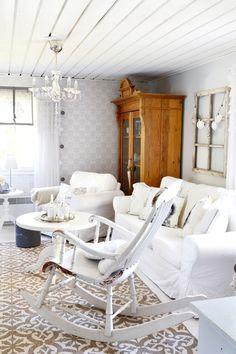 olohuone,matto,keinutuoli,sohva,romanttinen