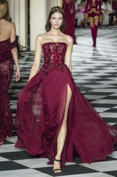 Haute Couture Gowns, Style Couture, Couture Dresses, Couture Fashion, Fashion Show, Couture Week, Fashion Fashion, Fashion Outfits, Abaya Fashion