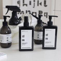 daily necessities are too nice. Skincare Packaging, Perfume Packaging, Cool Packaging, Tea Packaging, Bottle Packaging, Cosmetic Packaging, Beauty Packaging, Brand Packaging, Product Packaging