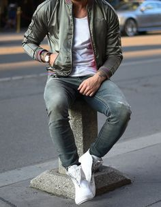 fall jacket // menswear, mens style, mens fashion, denim, tshirt, sneakers
