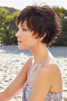 Today we have the most stylish 86 Cute Short Pixie Haircuts. We claim that you have never seen such elegant and eye-catching short hairstyles before. Pixie haircut, of course, offers a lot of options for the hair of the ladies'… Continue Reading → Short Sassy Haircuts, Short Hairstyles For Thick Hair, Short Hair Wigs, Very Short Hair, Wig Hairstyles, Curly Hair Styles, Monofilament Wigs, Looks Chic, Scene Hair