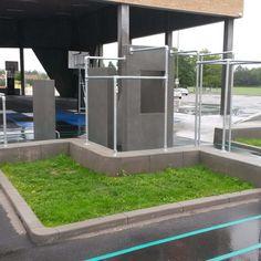 Vi har leveret elementerne til legepladsen foran hallen. Aarhus