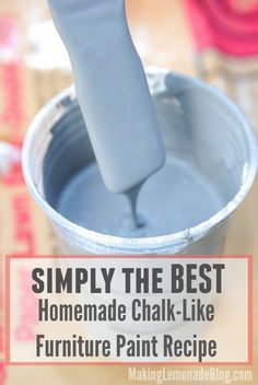 old furniture If youve been searching for a great chalk paint recipe, LOOK NO FURTHER! This recipe works wonders as a no-prep furniture paint so you can make old furniture look amazing again-- in YOUR style and favorite colors! Make Chalk Paint, Homemade Chalk Paint, Chalk Paint Projects, Chalk Paint Furniture, Diy Projects, Chalk Paint Recipes, Milk Paint, Design Projects, Chalk Paint Techniques