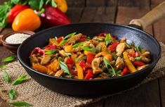 Black pepper chicken is a restaurant quality dish with pieces of thin sliced, tender chicken, crisp rainbow of colorful veggies and rich, flavorful sauce. All of it is done in one nonstick skillet or wok as an added bonus. Chicken Stuffed Peppers, Stuffed Sweet Peppers, Pepper Chicken, Chicken Chili, Chicken Stir Fry, Fried Chicken, Quick Family Meals, Vegetarian Recipes, Healthy Recipes