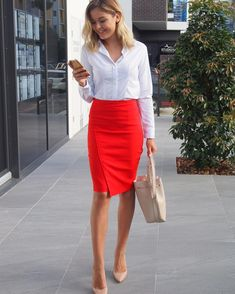 Here's the manner by which to wear corporate attire for women with 20 outfit ideas. Business attire is a formal dress code for some corporate occasions. Office Looks, Look Office, Casual Office, Corporate Fashion Office Chic, Corporate Chic, Corporate Wear, Office Style, Work Casual, Business Professional Outfits