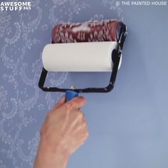 These Pattern Paint Rollers can breathe new life into your bare walls, simple furniture, and even old fabric. Having painted walls in your house might suit Wall Painting Decor, Decorative Wall Paintings, Painting Patterns On Walls, Simple Wall Paintings, Painting Textured Walls, Creative Wall Painting, Faux Painting, Interior Painting, Creative Walls