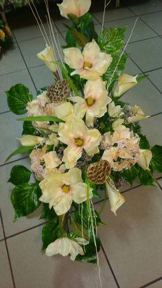 Grave Flowers, Funeral Flowers, Floral Arrangements, Beautiful Flowers, Bouquet, Gardening, Natural, Plants, Ideas