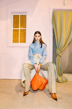 Corey Tenold is shooting behind the scenes at Jacquemus, Dior, and more of the top Paris shows. Paris Shows, Scene Photo, Fashion Photo, Paris Fashion, Everyday Fashion, Autumn Winter Fashion, Editorial Fashion, Vogue, Photoshoot