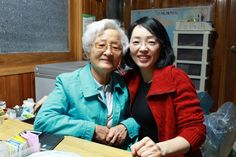 Mother and daughter_Grandma and aunt Heeha_Seoul_South Korea
