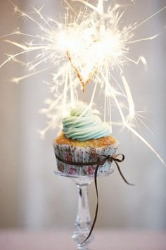 I think this sparkling cupcake might be more cute, pretty, enchanting, than most cakes I've seen.