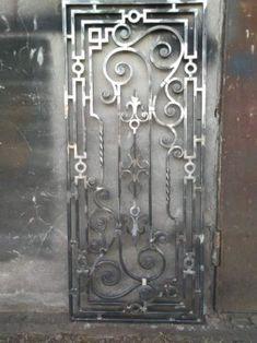 Steel Grill Design, Steel Railing Design, Grill Door Design, Metal Screen Doors, Wrought Iron Doors, Iron Gate Design, Wooden Door Design, Metal Art Sculpture, Iron Decor