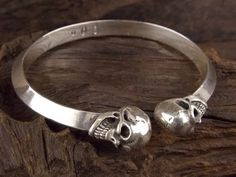 GABORATORY Half Skull Triangle Wire Bangle