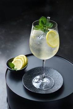 Cocktail Drinks, Alcoholic Drinks, Gin And Tonic, Home Recipes, Prosecco, Yummy Drinks, Smoothies, Bbq, Cocktails