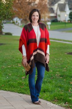Want to know the easiest way to add pizzazz to a plain outfit? Add a cape or open front poncho! I mean, this practically an excuse to wear a blanket and call it a fashion statement. Get shopping links at jolynneshane.com.