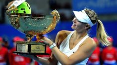 Maria Sharapova beats Petra Kvitova to win China Open crown