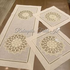 🎀⭐️🎀Masa örtüsü 🎀⭐️🎀 Dantelleri yine kestik biçtik masa örtüsü çalıştık ve Almanya'ya yolcu ettik🎀⭐️bu aralar hep gurbetçi kardeşlerimize… Bargello, Crochet Designs, Table Linens, Crochet Projects, Decorative Boxes, Arts And Crafts, Embroidery, Sewing, Knitting
