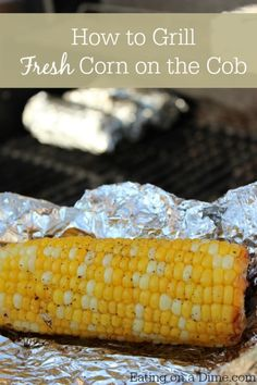 How to grill fresh corn on the cob! This corn on the cob recipe is so delicious! Grilling the corn gives it a great flavor. Try making this yummy corn on the cob side dish for your family today! Grilling Recipes, Vegetable Recipes, Cooking Recipes, Grilling Tips, Cooking Corn On Bbq, Grilling Corn, Veggie Dishes, Crockpot Recipes, Summer Recipes