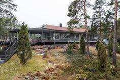 UNELMIENSAARISTOKOKONAISUUSTervetuloa tutustumaan tähän ainutlaatuiseen ja merelliseen huvilakokonaisuuteen, kauniissa Hirsalan saaristossa, 38 km Helsingistä. Tämä kokonaisuus sisältää huvilan isoi
