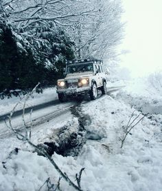 Land Rover Defender 110 and snow