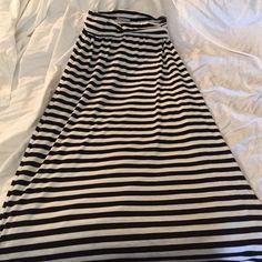 Striped Maxi skirt. Like new. Charlotte Russe Skirts Maxi
