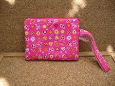 As Malas da Bi: Bolsa de mão versão super pink :p